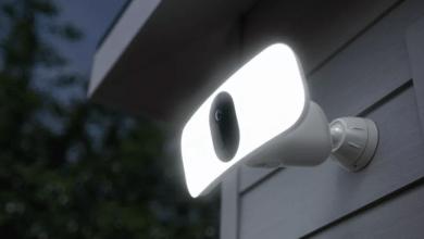 Photo of لا تحتاج كاميرا Floodlight Camera الجديدة من Arlo إلى أي أسلاك
