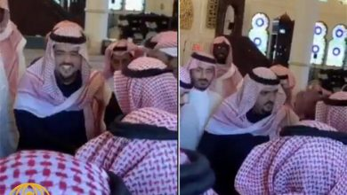 """Photo of شاهد: الأمير عبدالعزيز بن فهد يروي قصة طلبه من """"بائع شاهي"""" ألف ريال !"""