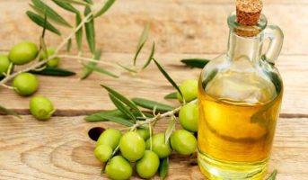 دراسة : استخدام زيت الزيتون بدلاً من هذه الأطعمة