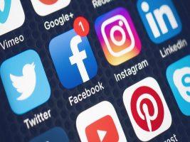 توقف Google و Facebook و Twitter