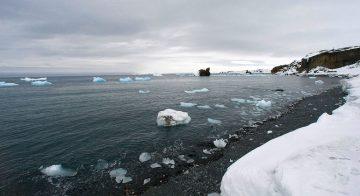 ذوبان الأنهار الجليدية فى أنتاركتيكا